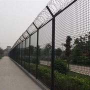 路边的围墙展示