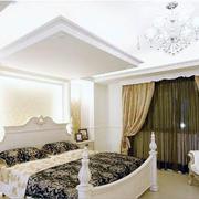 明亮宽敞的卧室
