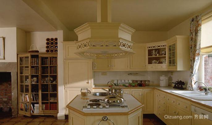 好太太的别墅欧式精美大气的厨房装修效果图