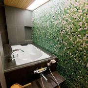 卫生间浴缸个性背景墙