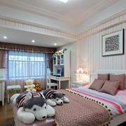 卧室粉色条纹壁纸