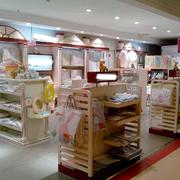 现代简约小型孕婴店