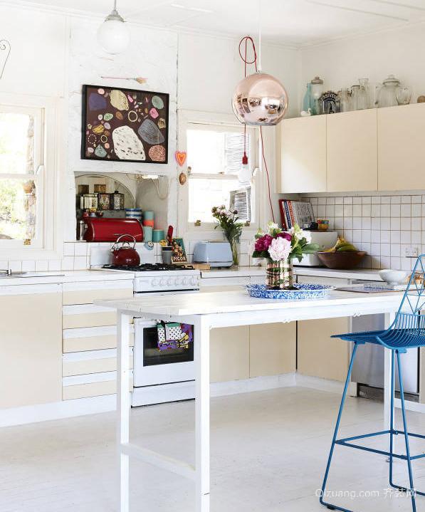 2015纯净恬淡的白色吧台设计装修效果图