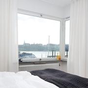 卧室飘逸窗帘欣赏