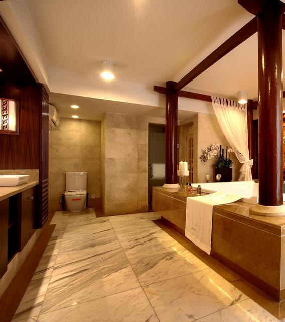 2015超级豪华大户型马可波罗瓷砖卫生间装修