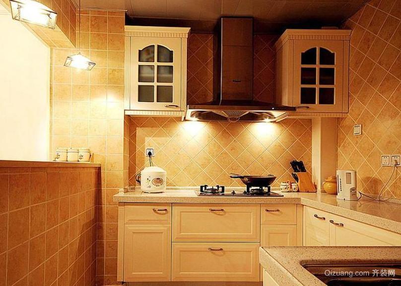 大户型简约大方的现代都市厨房装修效果图