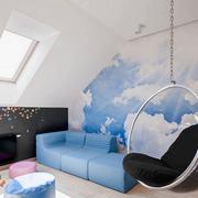 阁楼墙面天蓝色壁纸