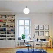 简约白色小型书柜