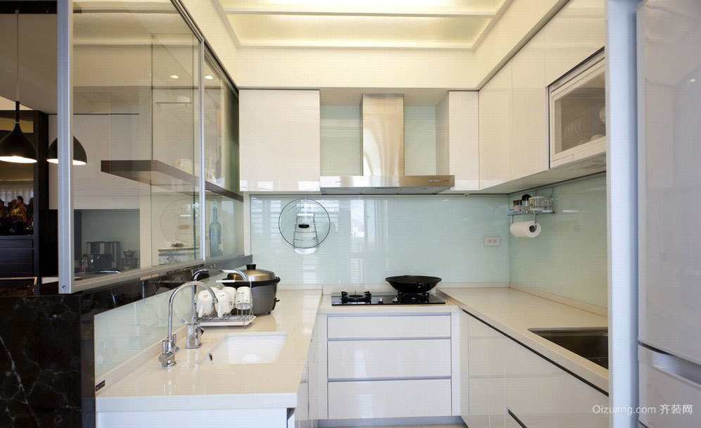 现代日式厨房装修效果图