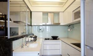 现代厨房不锈钢橱柜