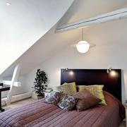 复式楼阁楼卧室展示