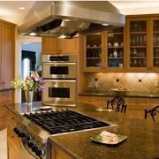 温馨咖啡色厨房