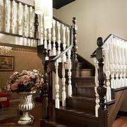 实木深色阁楼楼梯