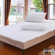 简约的家居卧室床