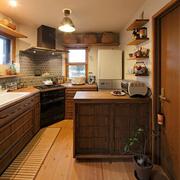 温馨便利的厨房