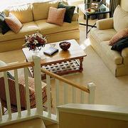 温馨客厅楼梯欣赏