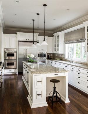 开放式大型厨房装潢