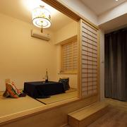 传统日式榻榻米卧室