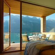 景观优美的卧室推拉门
