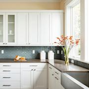 别墅厨房白色橱柜