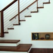 温暖舒适的实木楼梯