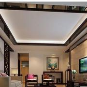 简洁白色客厅吊顶