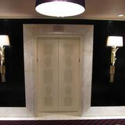 现代简约的酒店电梯