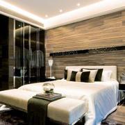 卧室床头实木背景