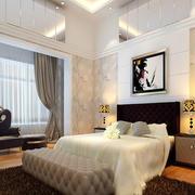 白色温馨的卧室