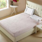 卧室粉色系的床