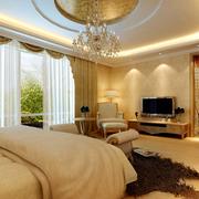 暖色调的卧室