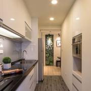 狭窄的小户型厨房