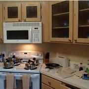厨房原木色橱柜