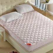 三室两厅卧室柔软大床展示