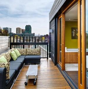 简约放松休息的阳台装修效果图