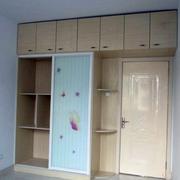 简约现代化的衣柜