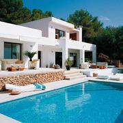 别墅户外休闲游泳池
