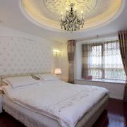 卧室大型圆形吊顶
