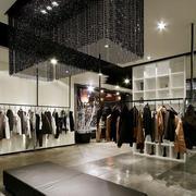 衣服店黑色水晶灯欣赏