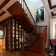 红木色华丽楼梯