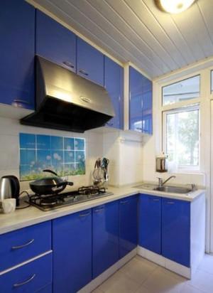 厨房蓝色不锈钢橱柜