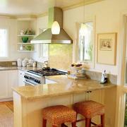 米黄色的厨房欣赏