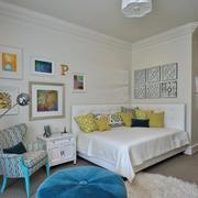 复式楼卧室照片墙