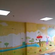 幼儿园彩色墙面设计
