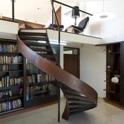 婀娜多姿阁楼楼梯
