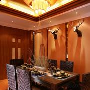 灯光温暖的餐厅