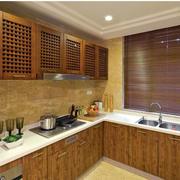 原木色的厨房橱柜