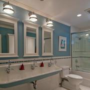 卫生间洗手台镜子