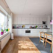 白色精致厨房设计