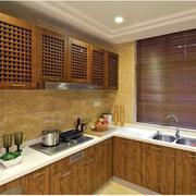 厨房咖啡色实木橱柜
